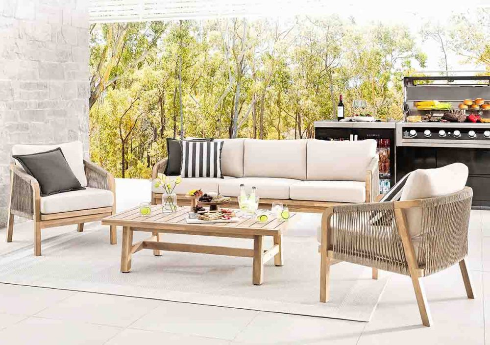 The 'Rimini' 4-piece outdoor lounge setting.