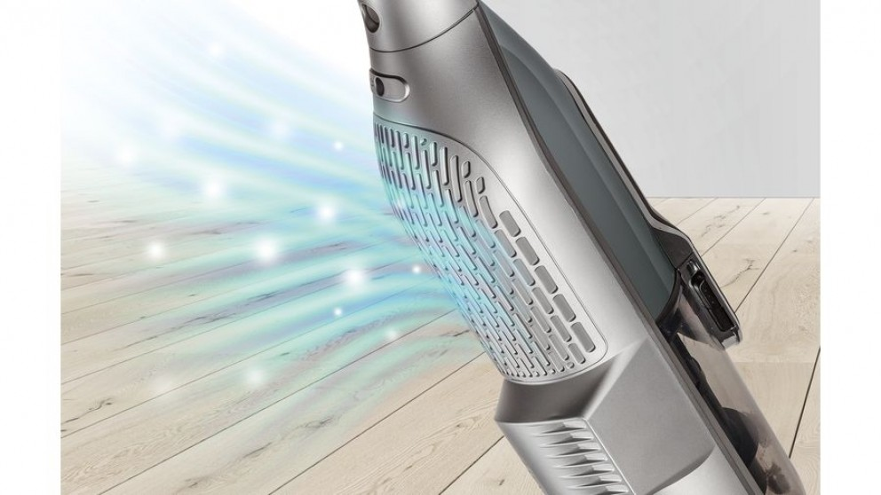 The Bosch Athlet Ultimate Vacuum Cleaner features a Cartridge Filter with a Pure Air membrane and a Hygienic Filter.