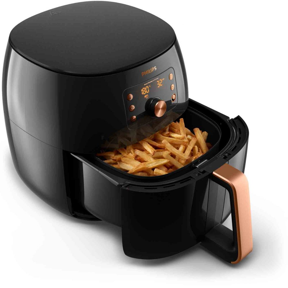 Cooking chips in the Philips Smart XXL Airfryer.