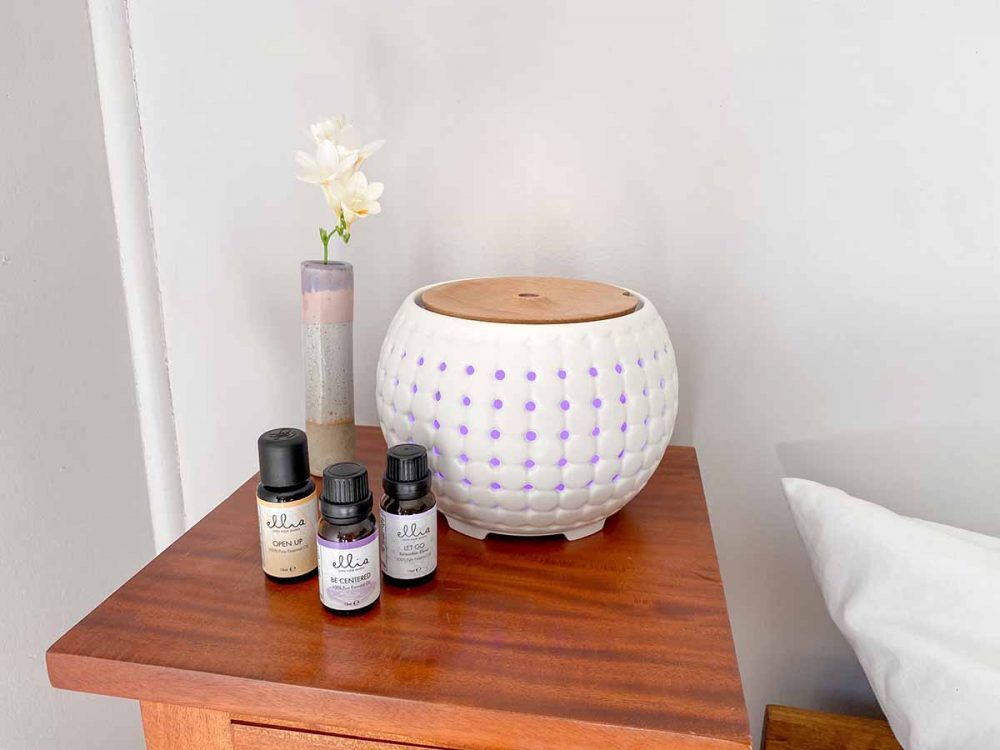 The HoMedics Ellia Gather Ultrasonic Aroma Diffuser and oils.