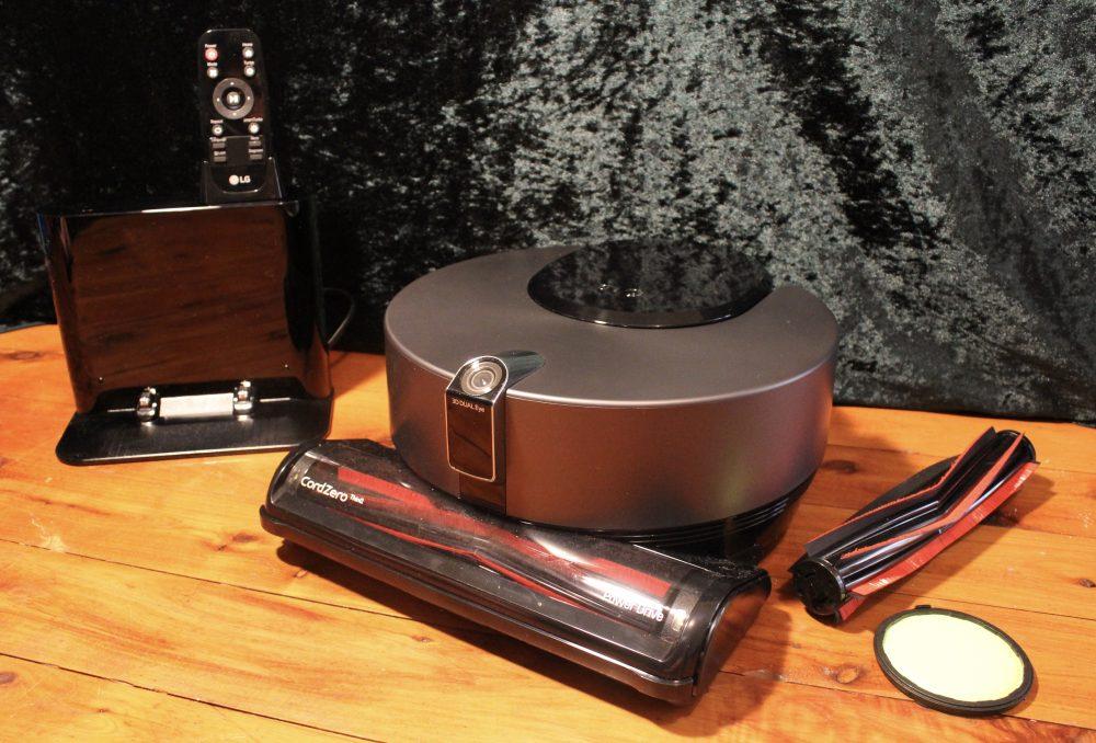 LG R9 Robotic Vacuum Unboxed