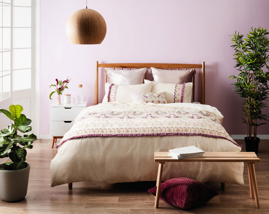 Luxe-rich-caramel-coloured-timber-slat-bed