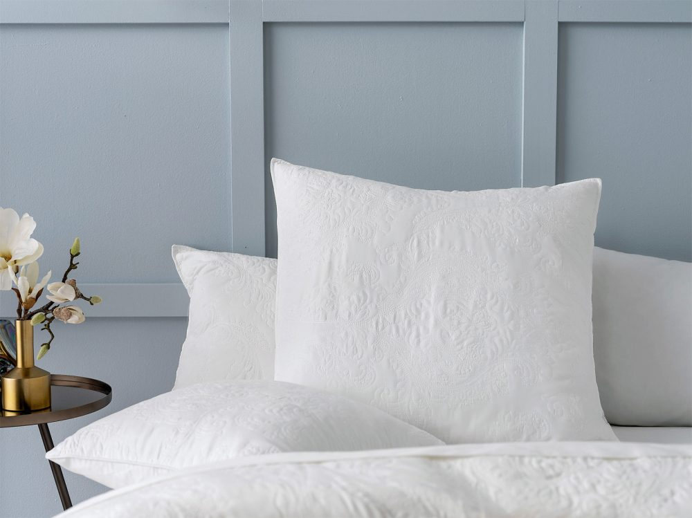 Luxury Pillows to create a hotel bed at home