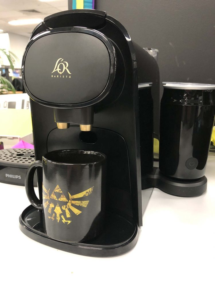 Creating an espresso with the Philips L'Or Barista coffee machine.