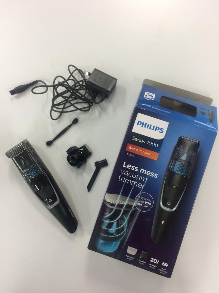 philips-vacuum-shaver-unboxed
