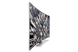 The innovative, ergonomically-curved screen gives a near 180-degree angle for an immersive, cinema-like viewing experience.