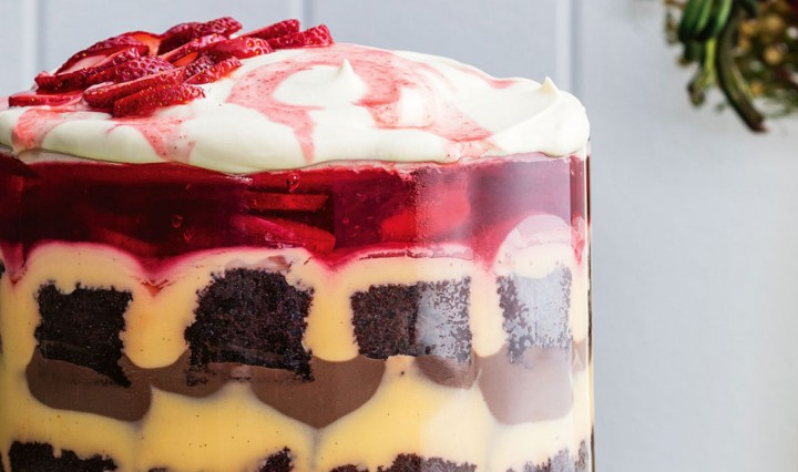 strawberry-and-chocolate-trifle-recipe