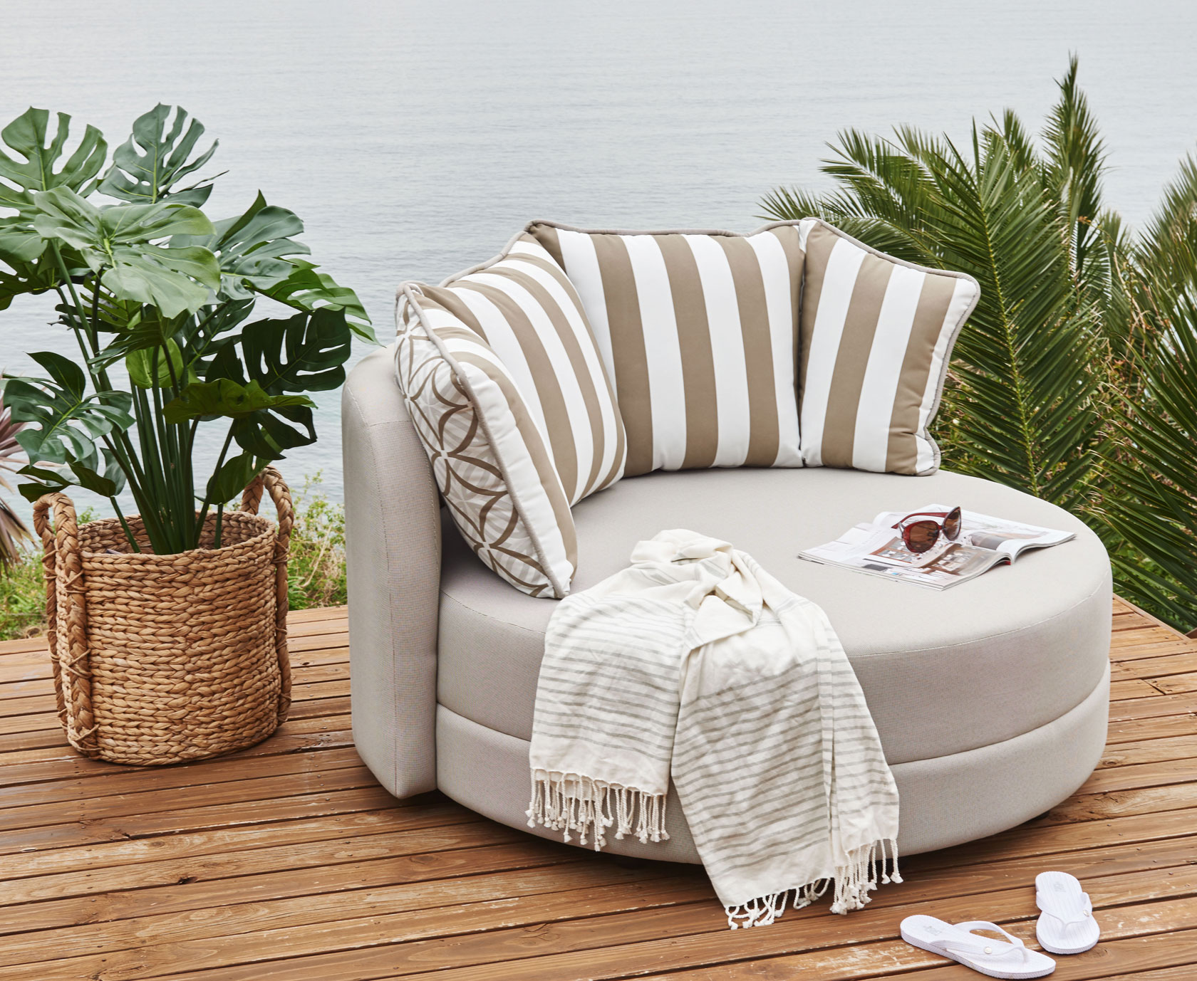 Daybed On Porch Patio